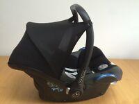 Maxi cosi Cabriofix + Easy fix base (Group 0+ baby car seat)