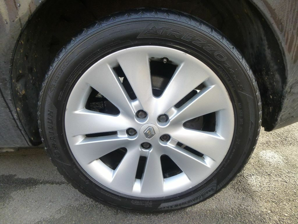 original renault espace 18 inch rims alloy wheels includes tyres good condition set of 4. Black Bedroom Furniture Sets. Home Design Ideas