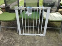 lindam stair gate with all fittings ready to use