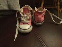 Infant converse shoes size 4