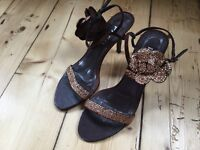 BROWN ANKLE STRAP SUMMER SHIES SIZE 4