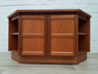 Nathan Tv Cabinet (DELIVERY AVAILABLE FOR THIS ITEM OF FURNITURE)