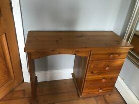 Pine Desk excellent condition