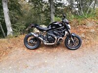 Lovely Black Ducati 1200 Monster R
