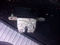 2007 Vauxhall zafira tailgate lock solenoid - can post