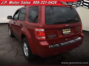 2010 Ford Escape XLT, Automatic, FWD Oakville / Halton Region Toronto (GTA) image 4