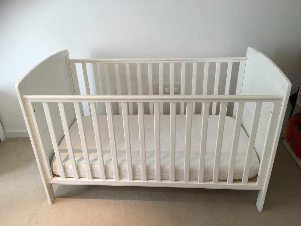 d6099e068c41 Baby Weavers Cot-Bed | in Wandsworth, London | Gumtree