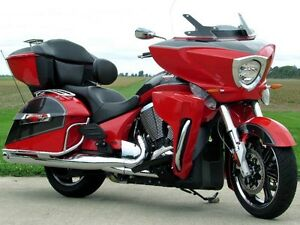 2015 Victory Motorcycles Cross Country Tour   MINT  106 Motor  O