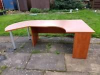 Solid corner desk