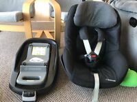 MAXI COSI Pearl with family fix base in excellent condition. Never been in a accident. 1 year old!