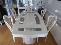 Italian High Gloss White and Glass Dining table in Excellent condition