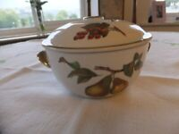 Royal Worcester Evesham Gold Cassorole/Tureen