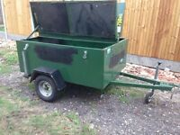 Lockable Steel trailer with lid good condition 750kg indespension