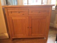 Solid oak Siseboard - excellent condition