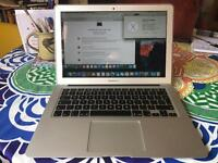 "MacBook Air 13.3"" 1.6Ghz intel Core i5, 8GB DDR3 ram, 128gb SSD, Intel HD6000 Graphics, Warranty"