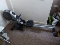 Rowing machine in very good condition