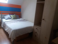 ** Double Room + Shower Rooms To Let in Christchurch **