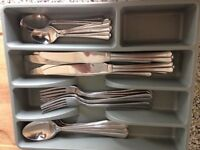 Cutlery set (6 Forks + 6 Knives + 6 Spoons+ 6 Tea Spoons) + FREE Wooden Chopping Board