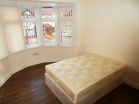 Nice double room available in Redbridge