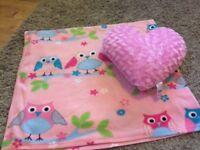 Owl blanket and heart cushion