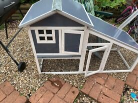 Rabbit hutch house & cover