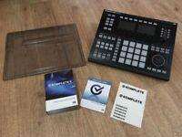 Native Instruments Maschine Studio + Komplete + Decksaver