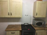 Large room, 2 baths,good for couple, 2 kithchens,close to Uni and hospital. Refurbished house.£97p/w