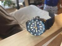Seiko diver blue watch