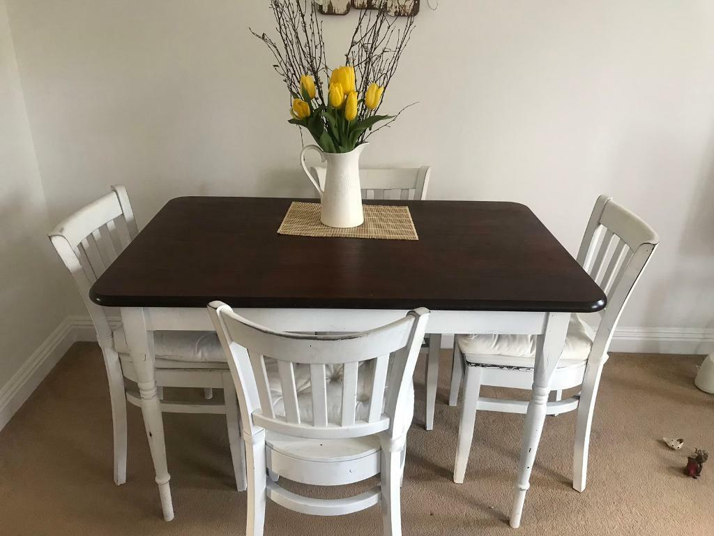 3b5a9f485635 Beautiful wooden dining table and chairs