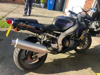 Kawasaki Ninja 1998, great bike good condition, first to see it will buy it.