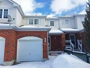 Beautiful 2.5 Bedroom Townhouse - MOVE IN READY! 53 Pickett Cres
