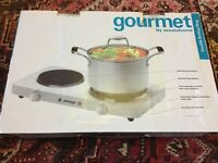 BNIB Gourmet double Boiling Ring electric £20