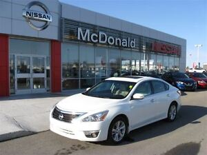 2014 Nissan Altima 2.5L SL Navigation, Heated Steering Wheel and