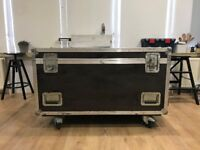 2 Amptown TransFLEX Flight Cases - Good condition (some wear and tear) - Fully closing