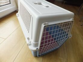 Pet carrier ( Firplast ) and bed