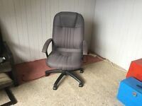 Office chair excellent condition, adjustable.