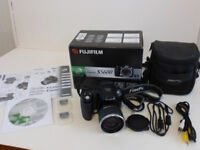 Fujifilm FinePix S Series S5600 5.1MP Digital Camera, Boxed, Excellent C/W case and two memory cards