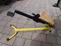 Log splitter manually operated