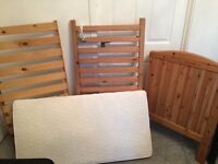 ❤️Cot and Mattress ❤️excellent condition