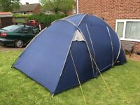 Halfords 4 Man family Tent Kit. Very Good Clean Condition. With 4 Sleeping Bags.