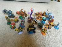 SKYLANDER GIANTS figures, power-up, portal and wii game (if needed)
