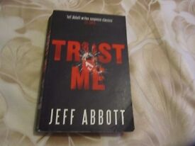 2 paperbacks for sale by Jeff Abbott - PANIC and TRUST ME 50p each collect Exeter area