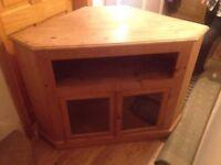 TV Corner Unit - Pine Wood