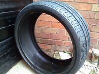 Part worn 225 35 19 tyre
