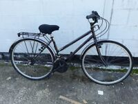 WOMANS HYBRID AMMACO BIKE ** I CAN DELIVER**