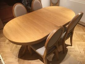 Melbury extending dining table and 4 Castletown Chairs from Scheeiber