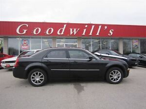 2008 Chrysler 300 Limited! HEATED LEATHER SEATS!
