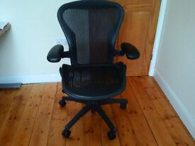 Genuine! Aeron chair (Herman Miller) size B used
