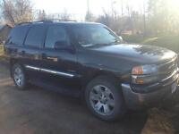 2004 gmc Yukon *must go* Price is 4000 OBO