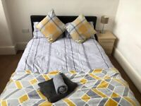 Furnished room available in 2 bedroom flat on weekly basis